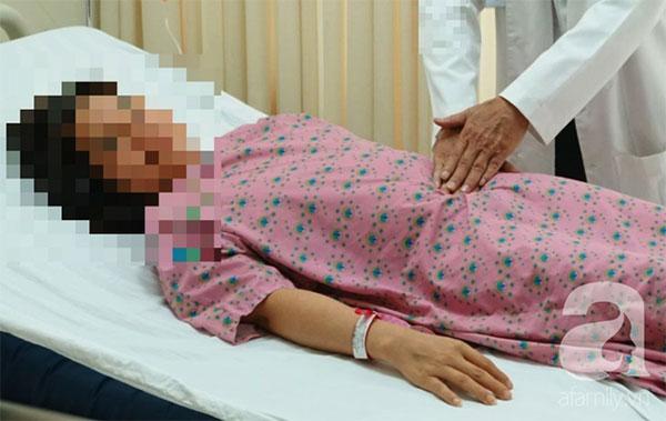 Thấy sốt về chiều và đau lưng nên đi khám ngay nếu không muốn bị bệnh khổ sở như người phụ nữ này