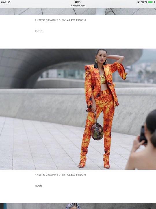 Khi cả Vbiz không còn đoái hoài Seoul Fashion Week thì học trò của Võ Hoàng Yến lại ghi điểm tại đây khi được lên hẳn Vogue Mỹ