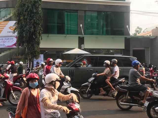Dàn xe khủng của ông chủ cafe Trung Nguyên chở theo Hoa hậu và Á hậu, sẵn sàng hành trình xuyên Việt 2019