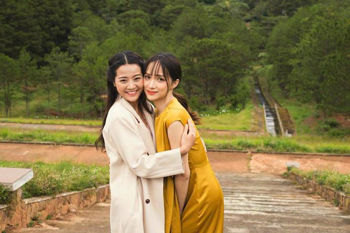 Không ngờ cô bạn thân giật người yêu cũng sở hữu sắc vóc vạn người mê đến Hương Giang cũng phải dè chừng