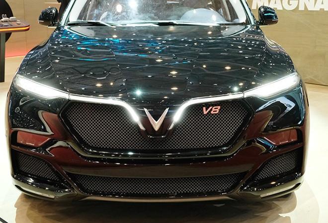 Ngoài VinFast Lux, đây là những mẫu xe sử dụng động cơ V8