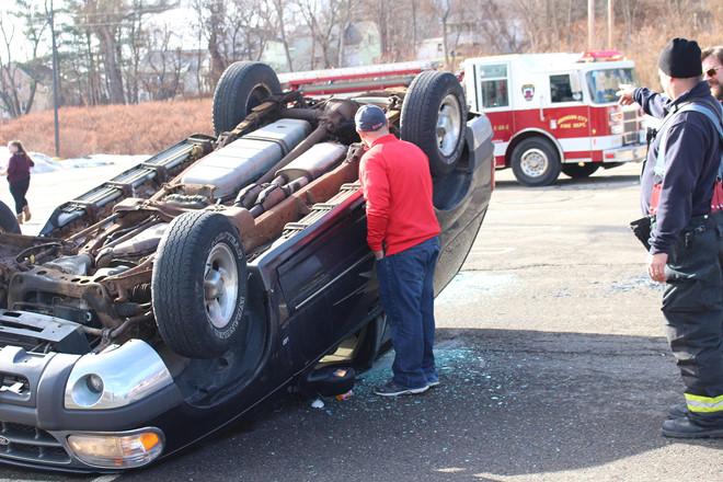 Ford Explorer lật ngửa, nạn nhân được bồi thường 152 triệu USD