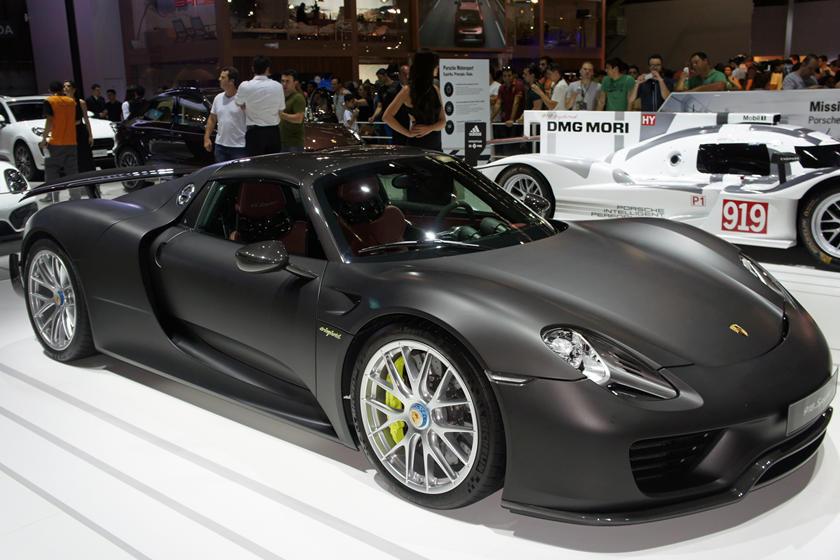 Những siêu xe chỉ giới siêu giàu mới mua được