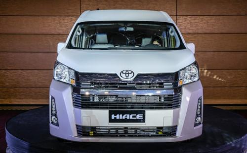 Toyota Hiace 2019 giá bán chỉ hơn 700 triệu đồng sở hữu những công nghệ gì nổi trội?