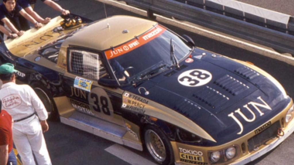 Bất ngờ tìm thấy siêu xe đua Mazda 254i sau 35 năm
